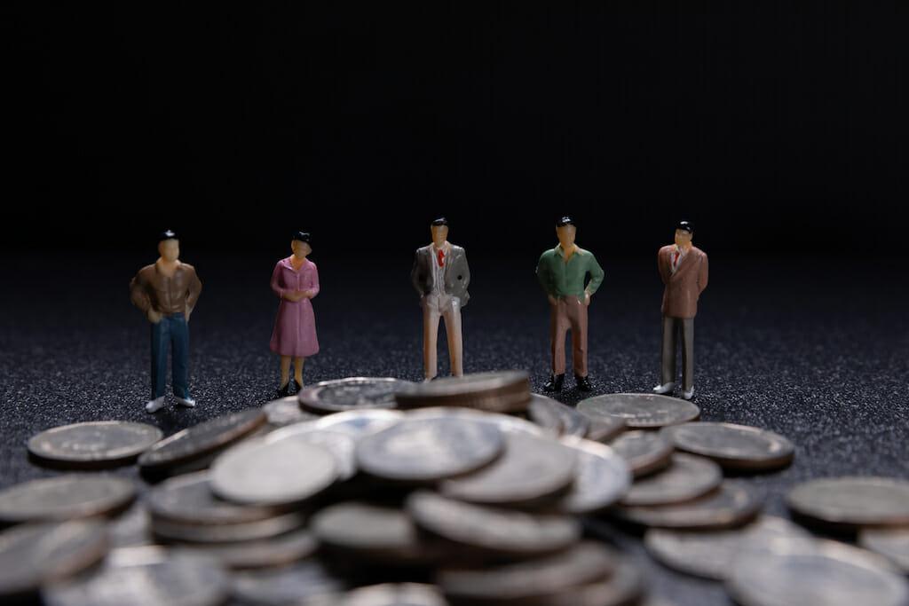 How do I choose a mutual fund?